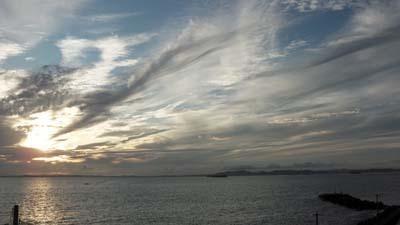金谷港で見る日没_Cut_s.jpg