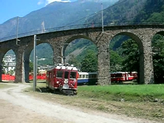 Swiss_Overall_BerninaEx_LoopBridge.jpg